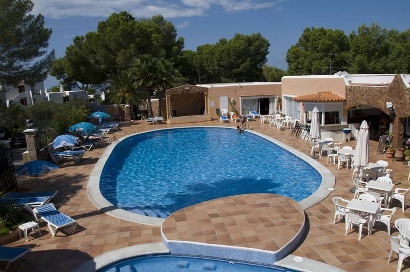 Swimming pool club aquarium cala vadella ibiza - Club mahindra kandaghat swimming pool ...